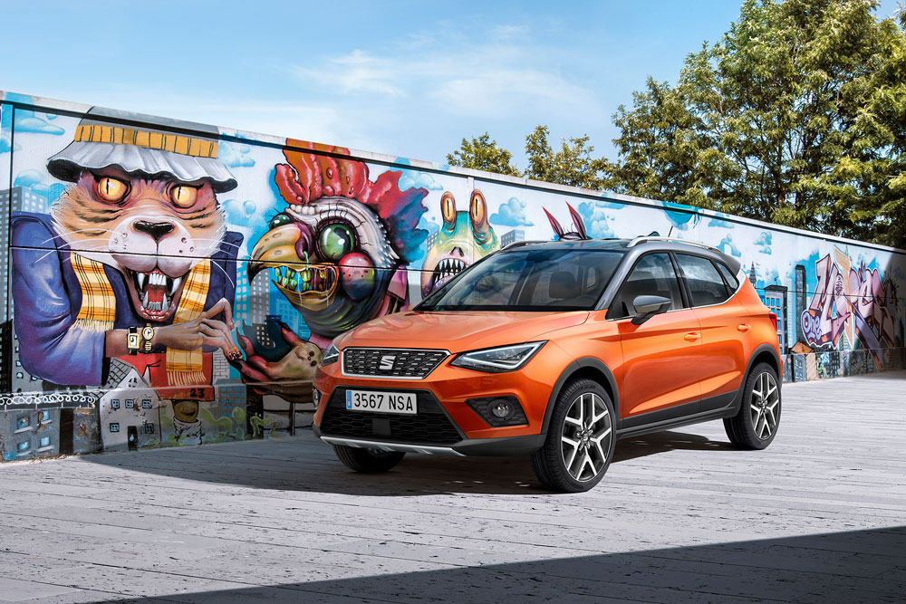 76018 11 New SEAT Arona Front Orange Graffiti S HD